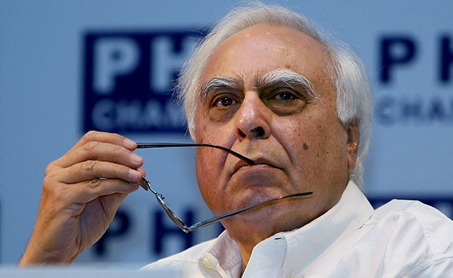 In Court, Kapil Sibal 'Disappears'. Cue Banter From Harish Salve