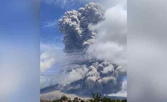 Indonesia's Mount Sinabung Erupts, Sends Smoke, Ash 5,000 Kilometres Into The Air