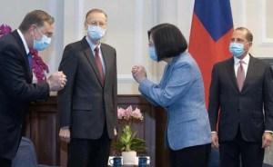 स्वास्थ्य सचिव ने ताइवान के सबसे बड़े स्तर पर four दशक में अमेरिका के नेता से मुलाकात की