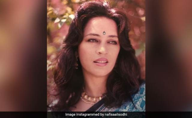 Nafisa Ali, 63, Shares A Beautiful Memory From When She Was 25