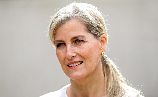 Queen Elizabeth's Daughter-In-Law In Self-Isolation After COVID Contact