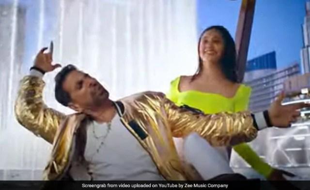 Burj Khalifa Song: 'लक्ष्मी बम' का गाना 'बुर्ज खलीफा' रिलीज, रॉकिंग अंदाज में दिखे अक्षय कुमार, देखें Video