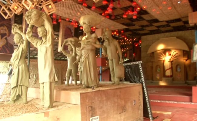 Migrants' Hardships Theme Of Many Durga Puja Pandals In Bengal