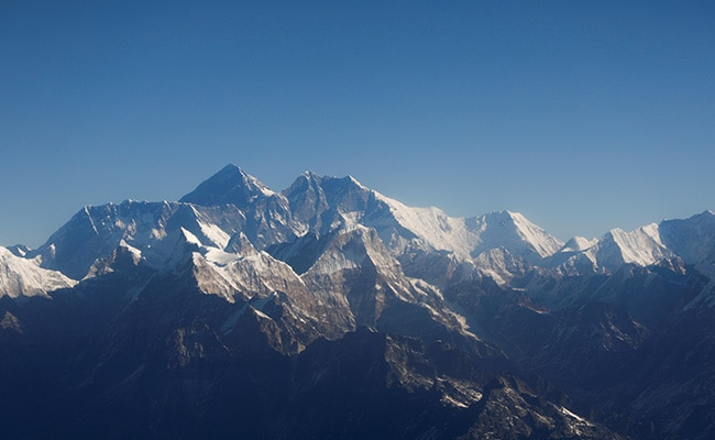 China To Set Up 'Separation Line' On Mount Everest Over Covid Fears