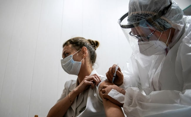 Moscow Starts Mass COVID-19 Vaccination With Its Sputnik V Shot