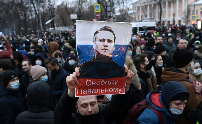 Russian Court Imposes Sweeping Bans On Kremlin Critic's Group