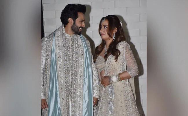 'Jug Jugg Jeeyo,' Writes Varun Dhawan's Co-Star Kiara Advani For Him And Natasha Dalal