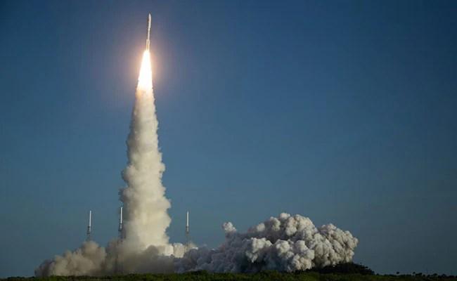 "NASA Rover Faces ""Seven Minutes Of Terror"" Before Landing On Mars"