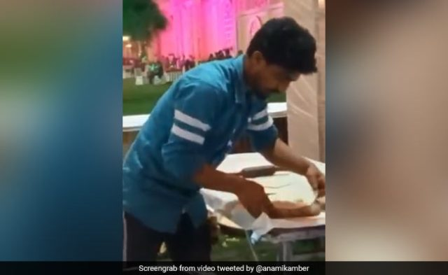 Man Spitting On Tandoori Roti While Making Them At Wedding Riles Up Internet