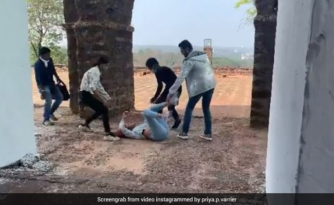Priya Prakash Warrior fell on the ground during the shooting, there was uproar on the set- Watch Video