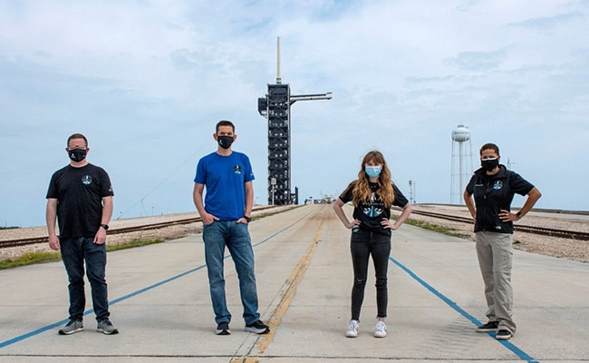 Professor, Data Analyst In SpaceX Crew For 1st All-Civilian Spaceflight