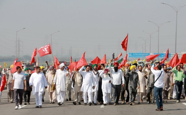 Today, 6 months of Kisan agitation completed, more than 15 thousand Annadata are standing on the Singhu border
