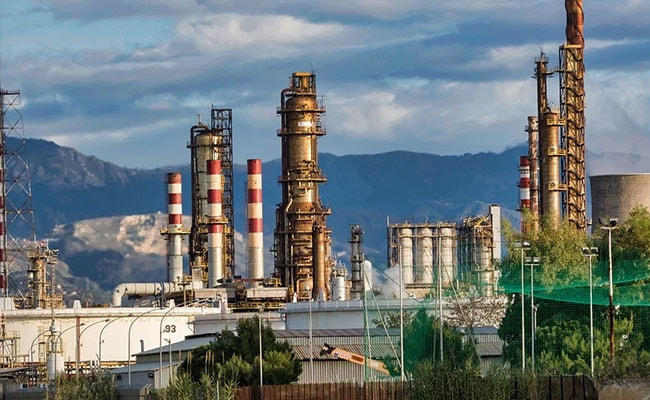 Mangalore Refinery Edges Lower After Reporting March Quarter Results