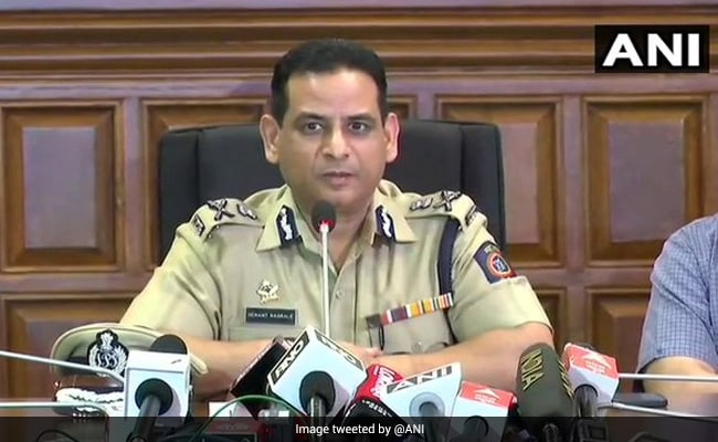 Mumbai Top Cop Asks Policemen On Duty To Wear Face Shields, Double Masks