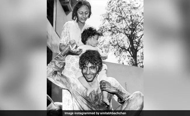 Holi 2021: Amitabh, Jaya And Abhishek Bachchan In A Perfect Festive Throwback