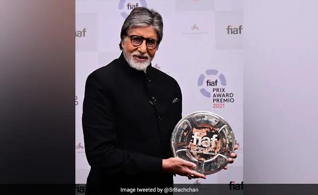 अमिताभ बच्चन ने मार्टिन स्कॉरसे, क्रिस्टोफर नोलन से पुरस्कार प्राप्त करने के बाद क्या लिखा