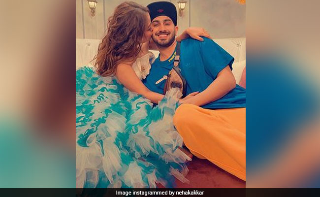 'Haye Marjaneya': Neha Kakkar's ROFL Struggle For Husband Rohan Preet's Attention