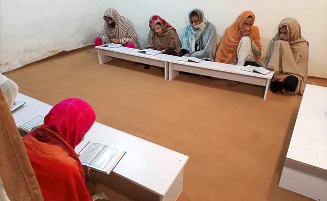 A Transgender Islamic School In Pakistan Breaks Barriers