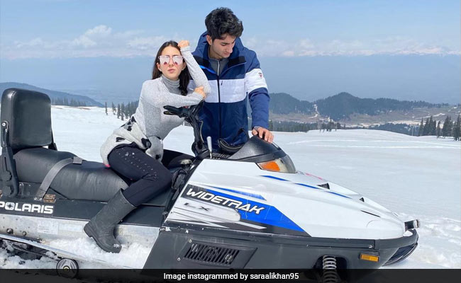 Sara Ali Khan And Brother Ibrahim Are 'The Chosen Frozen' In Pic From Gulmarg