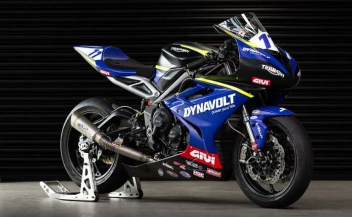 The full-faired Dynavolt Triumph race bike is based on the Triumph Street Triple RS
