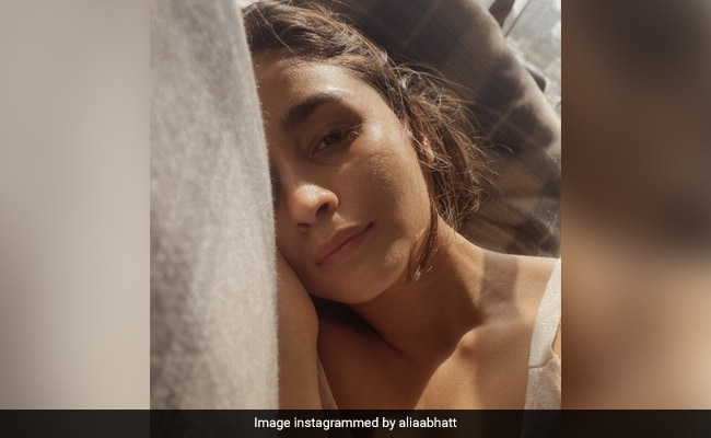 COVID-Positive Alia Bhatt Sums Up Current Mood With These Four Words