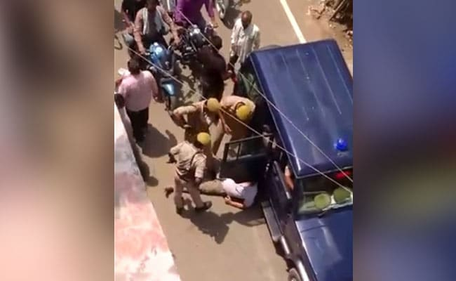 Azamgarh Mask Push Triggers Traders' Fury Against Cops' High-Handedness