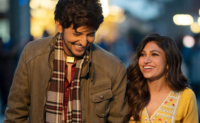 Tulsi Kumar And Darshan Raval Treat Fans To Their New Song Is Qadar