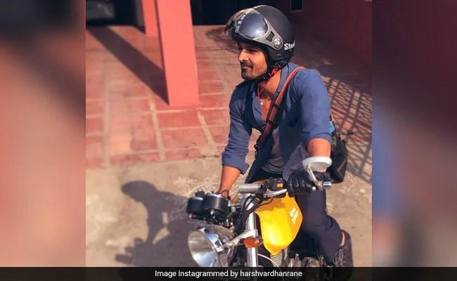 अभिनेता हर्षवर्धन राणे हैदराबाद में ऑक्सीजन कंसेंट्रेटर के लिए अपनी बाइक का व्यापार कर रहे हैं