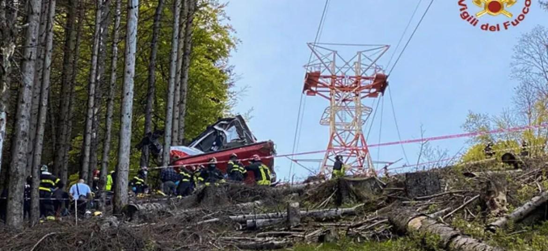 इटली में माउंटेन केबल कार के दुर्घटनाग्रस्त होने से 12 की मौत