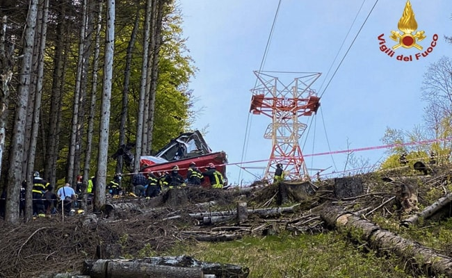 12 Killed As Mountain Cable Car Crashes In Italy