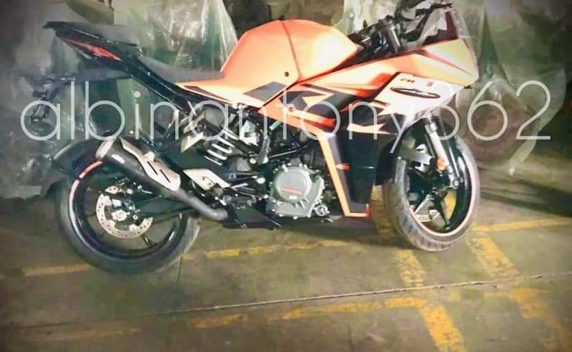 The new KTM RC 390 gets a new orange-black colour scheme, along with a sleeker tail section