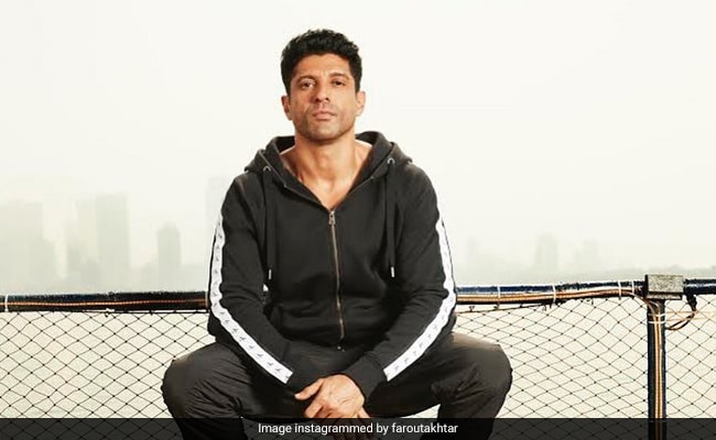 Farhan Akhtar?s Boss Reply To Troll Who Called Him ?VIP Brat? Getting Vaccine Out Of Turn