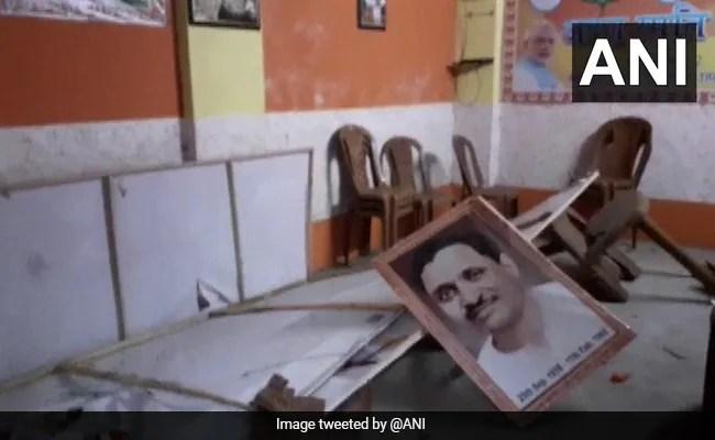 क्रूड बॉम फेंका, बीजेपी ऑफिस ने बंगाल टाउन में तोड़फोड़ की