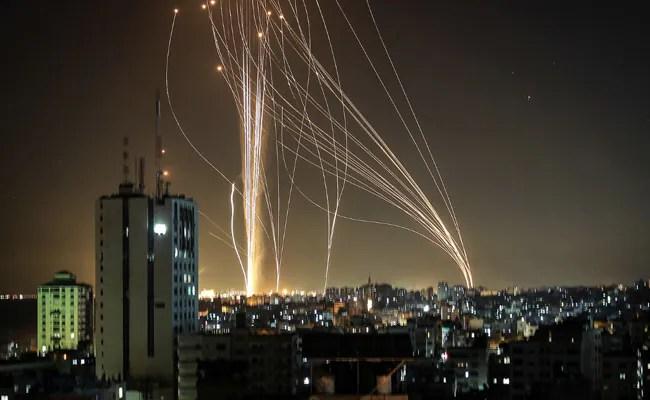 Gaza Rockets Prompt Diversion Of All Tel Aviv Flights