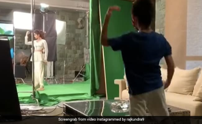 शिल्पा शेट्टी के परिवार में एक और सुपर डांसर - सोन वियान ने किया स्टेप फॉर स्टेप