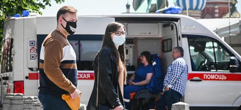 मॉस्को में कोविड के मामले लगातार दूसरे दिन रिकॉर्ड उच्च स्तर पर पहुंच गए