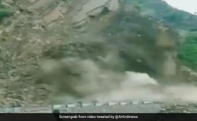 Video: Landslide Blocks National Highway In Uttarakhand