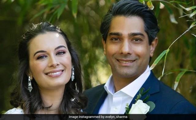 अभिनेत्री एवलिन शर्मा और पति तुषान भिंडी एक साथ पहले बच्चे की उम्मीद कर रहे हैं