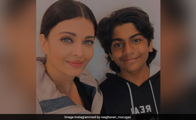 Trending Pics Of Aishwarya Rai Bachchan And Her Co-Star From The Sets Of Ponniyin Selvan