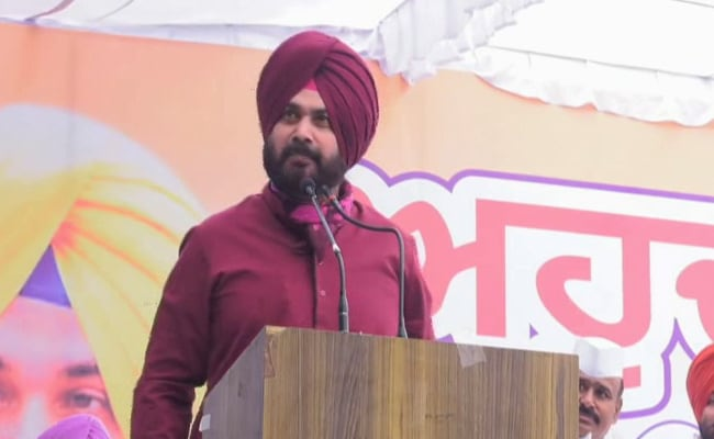 Navjot Singh Sidhu Questions Congress, Akali Dal's 'Inaction' Against Drug Smugglers