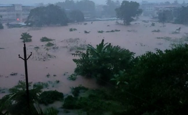 Heavy Rain In Thane, Palghar; Villages Marooned, Train Services Suspended