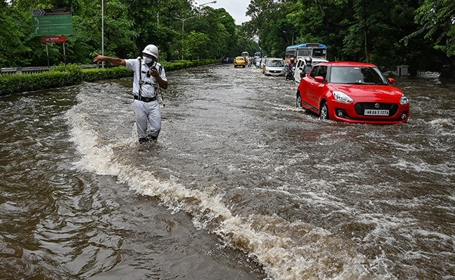 Waterlogged Areas, 'Spell of Thunderstorm' In Kolkata After Heavy Rains, Says Weather Office