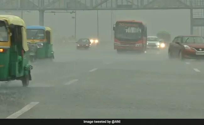 Heavy Rainfall Causes Waterlogging, Traffic Disruptions In Parts Of Delhi