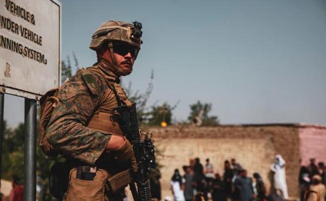 4000+ من حاملي جوازات السفر الأمريكية ، العائلات التي تم إجلاؤها من أفغانستان: الولايات المتحدة