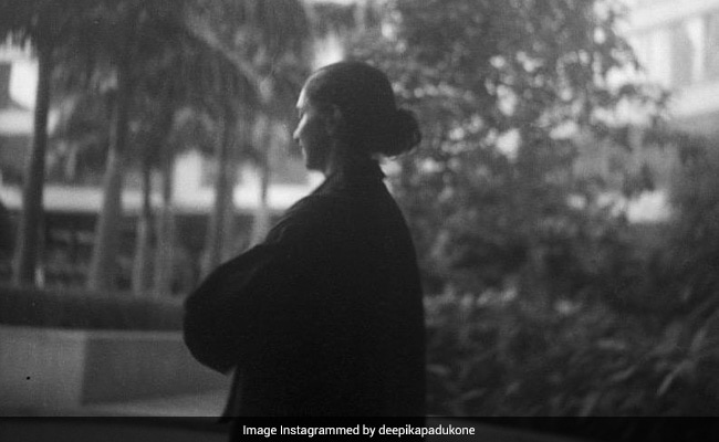 The Only Thing Missing In Deepika Padukone's Black And White Moment Is A Prateek Kuhad Song