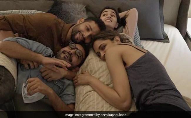 Shakun Batra's film wrap, Deepika Padukone shares 'memories for a lifetime'.  Ananya Panday, It's OK To Cry