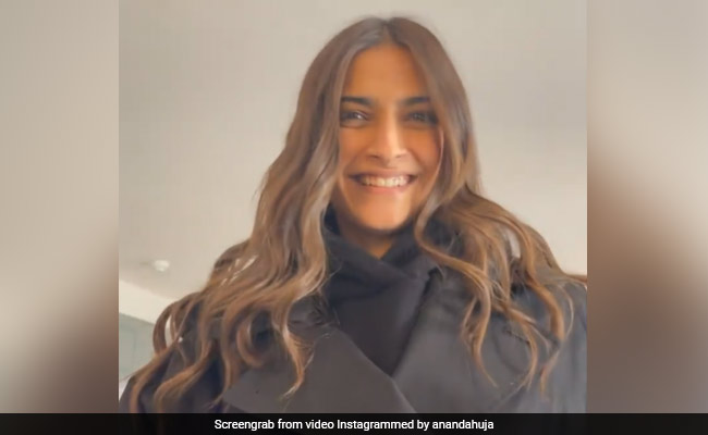 Anand Ahuja Thinks Sonam Kapoor Is 'Being Dramatic' In This Video. But He Finds It Cute