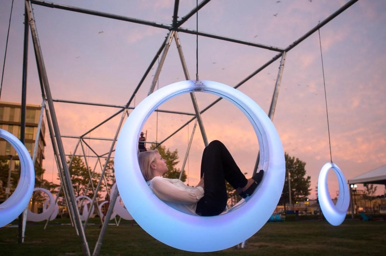 Oval swings