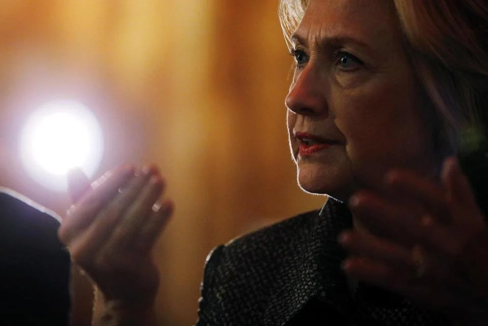 U.S. Democratic presidential nominee Hillary Clinton meets with leaders from the African-American community at Mert's Heart and Soul restaurant in Charlotte, North Carolina, United States October 2, 2016. REUTERS/Brian Snyder