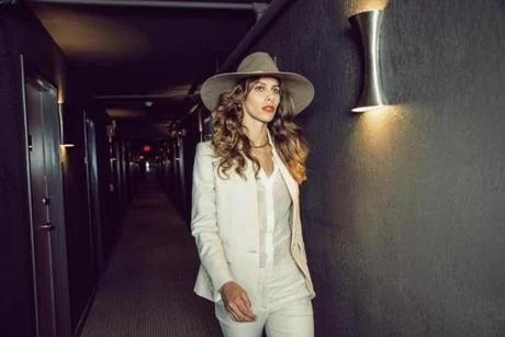 Fall Fashion Experiences A Cooling Trend Photo 7 Of 18